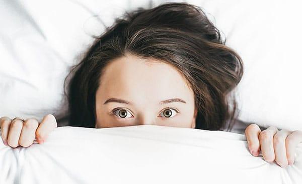 acne hiding