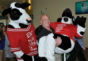 chick fil a cow mascots funny
