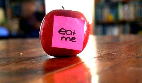 eat me apple