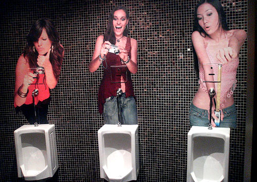 funny toilets - girls taking pictures