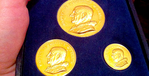gold coins pope vatican