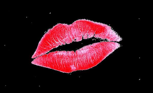 kiss lipstick