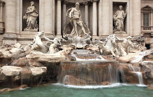 lucky trevi fountain rome