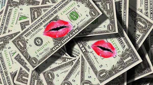 money kisses