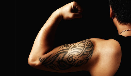 tribal tattoo muscles